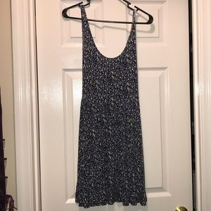 Beautiful knit floral print American Eagle dress